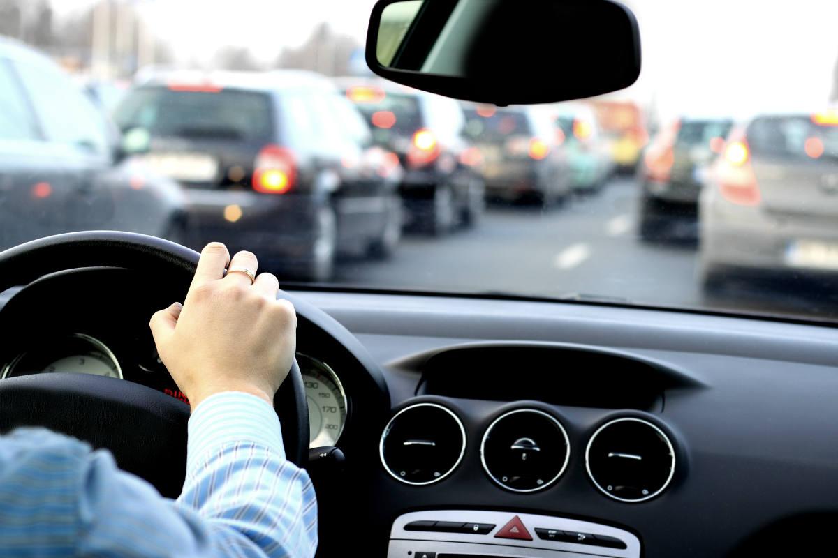 Cualidades que un automovilista debe saber