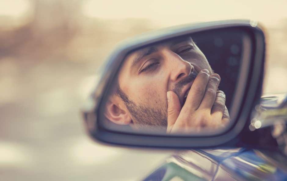 Cómo mantenerte despierto si conduces