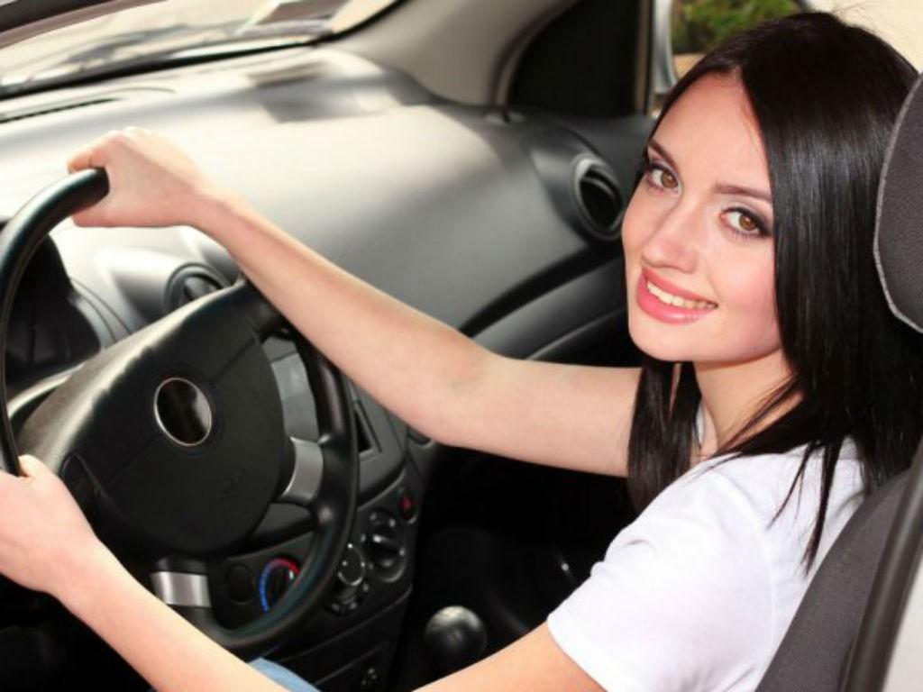 Cómo estacionar un automóvil perfectamente