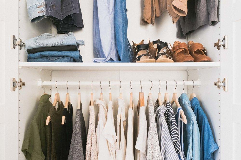 Trabajo en moda y siempre ahorro en estos 4 artículos (pero derrocho en estos otro 4)