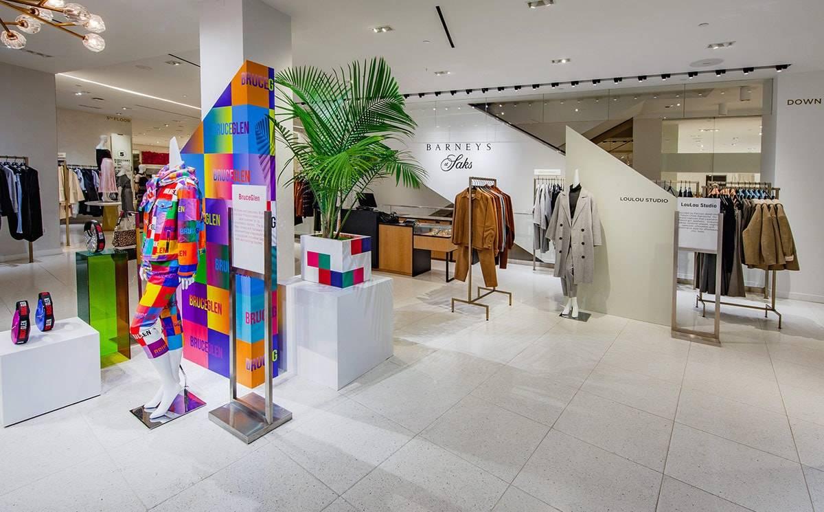 Barneys ha renacido como un piso de moda de 54,000 pies cuadrados en Saks Fifth Avenue