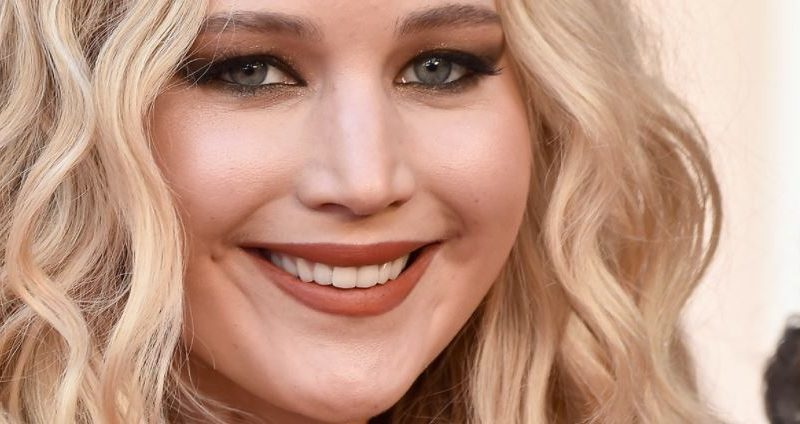 Jennifer Lawrence en pasarela