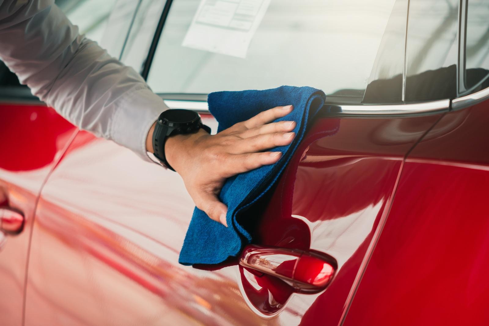 Cómo proteger la pintura de un vehículo