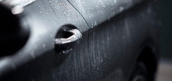Mantener el brillo de la pintura del auto