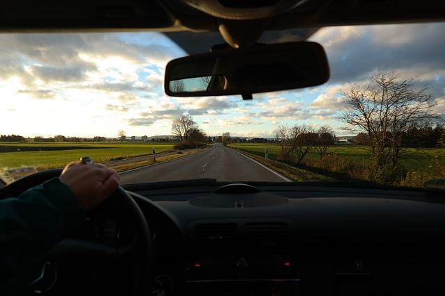 Conducir un automóvil rápido