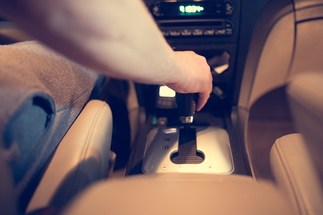 Consejos para frenar en un coche