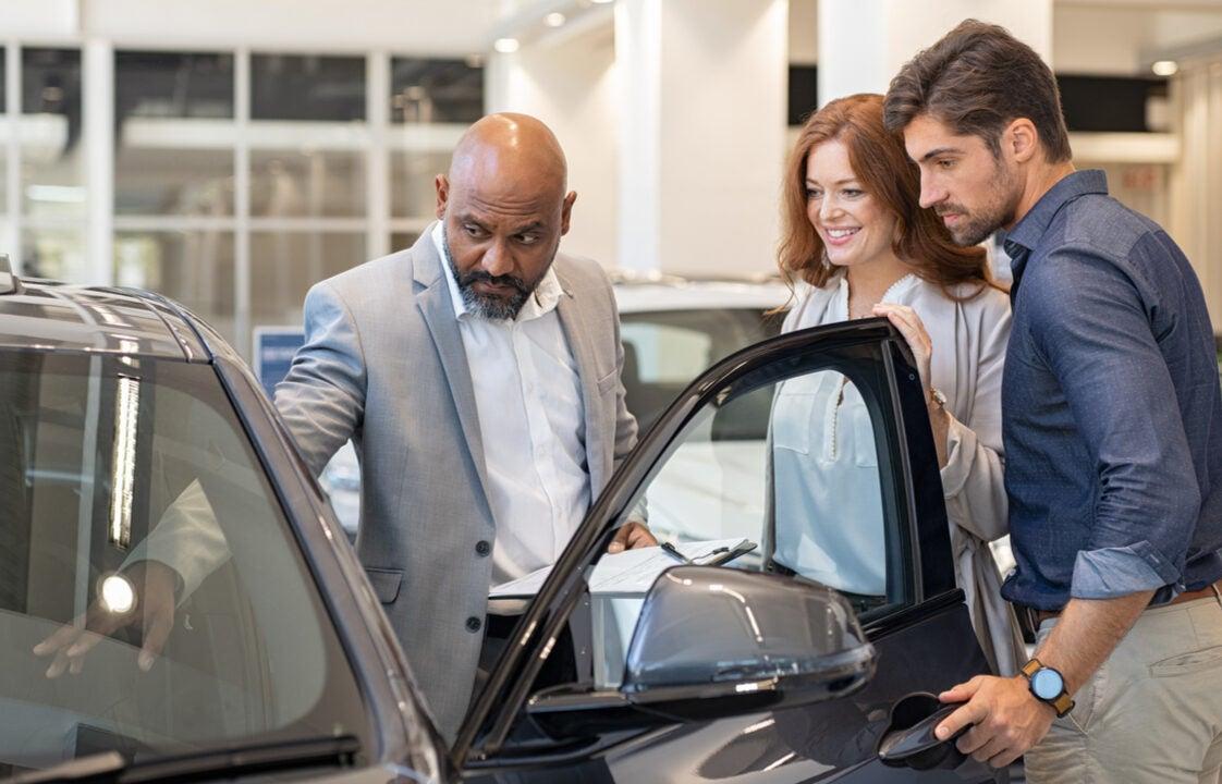 Recomendaciones para comprar tu primer auto